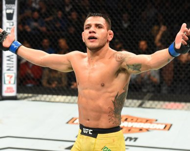 Rafael Dos Anjos w oktagonie UFC
